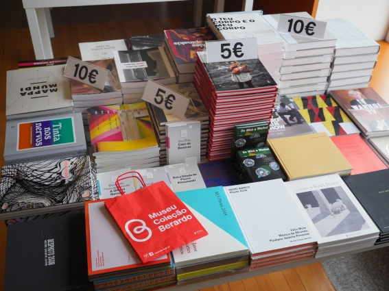 Feira de Natal Museu Coleção Berardo - livros em promoção