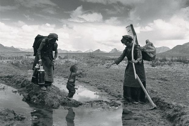 Lu Nan. Trilogia, Fotografias  / Trilogy, Photographs [1989-2004]