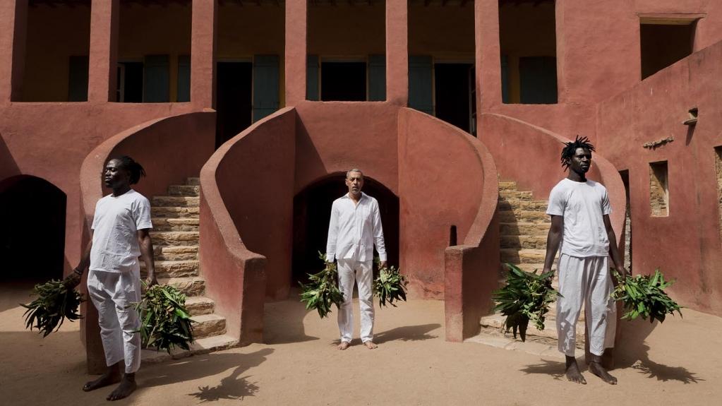 Ayrson Heraclito, O Sacudimento da Maison des Esclaves em Goree: Diptico I, 2015
