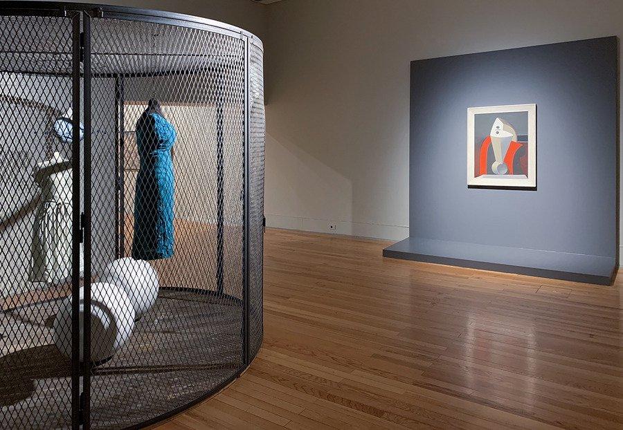 300 Visita à exposição Constelações III, orientada pelos curadores Ana Rito e Hugo Barata
